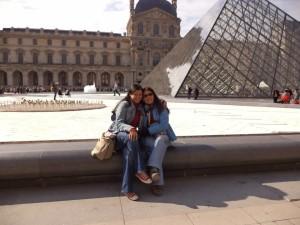 Con mi mamá en París. Muy lejos de Hatillo.