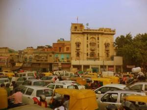 Tránsito en la caótica Delhi.