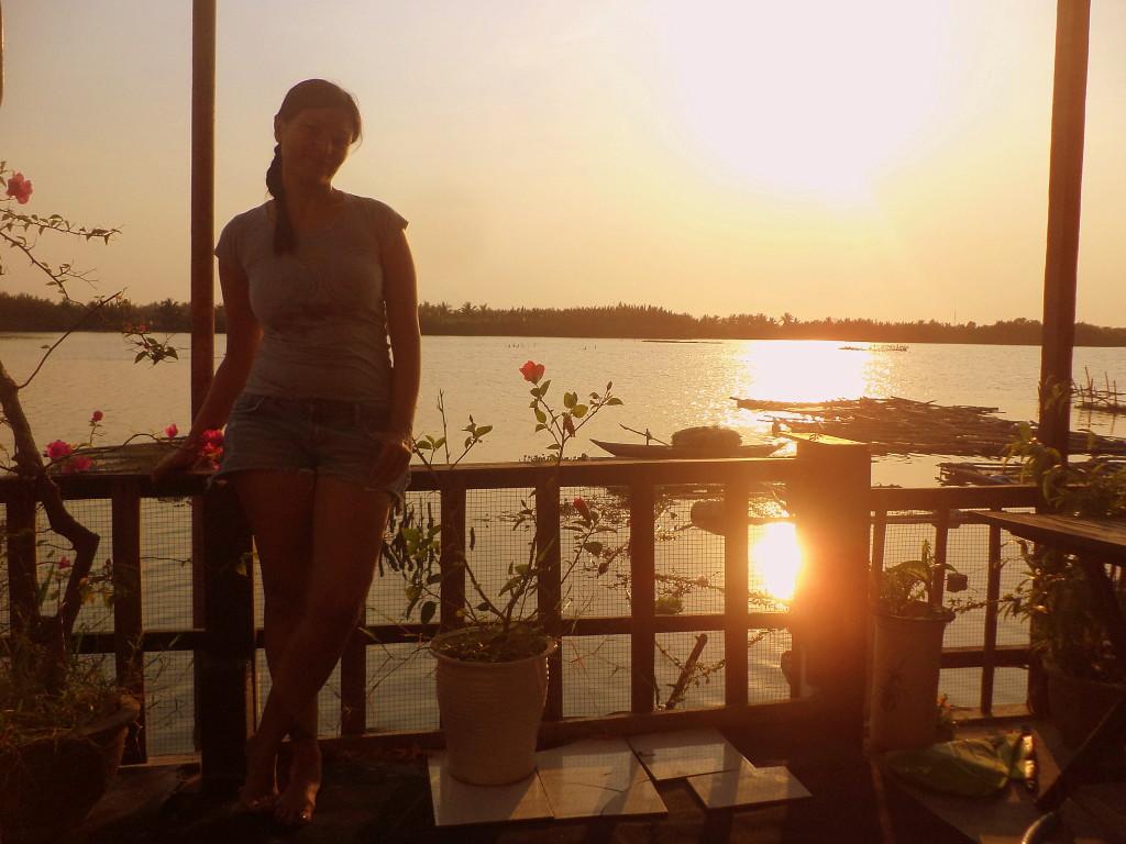 Yo, en la terraza de mi casa. Yo, siendo feliz. :)