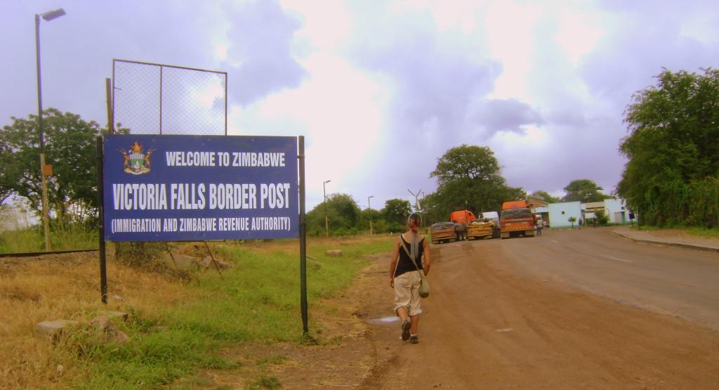 Yo, devolviéndome a Zimbabwe por mi carencia de visa... Larga historia.