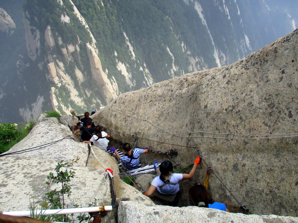 Típica presa de gente subiendo y bajando a la vez. Plankk in the Sky. HuaShan.