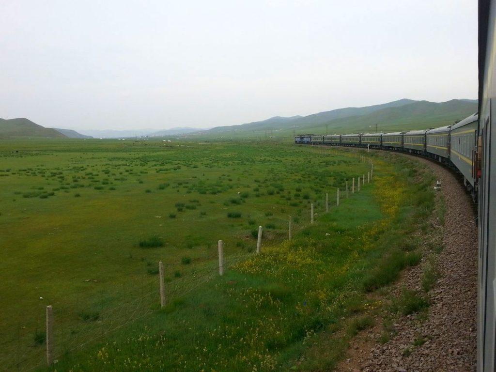 Transmongoliano ya en la verdemente monótona Mongolia.