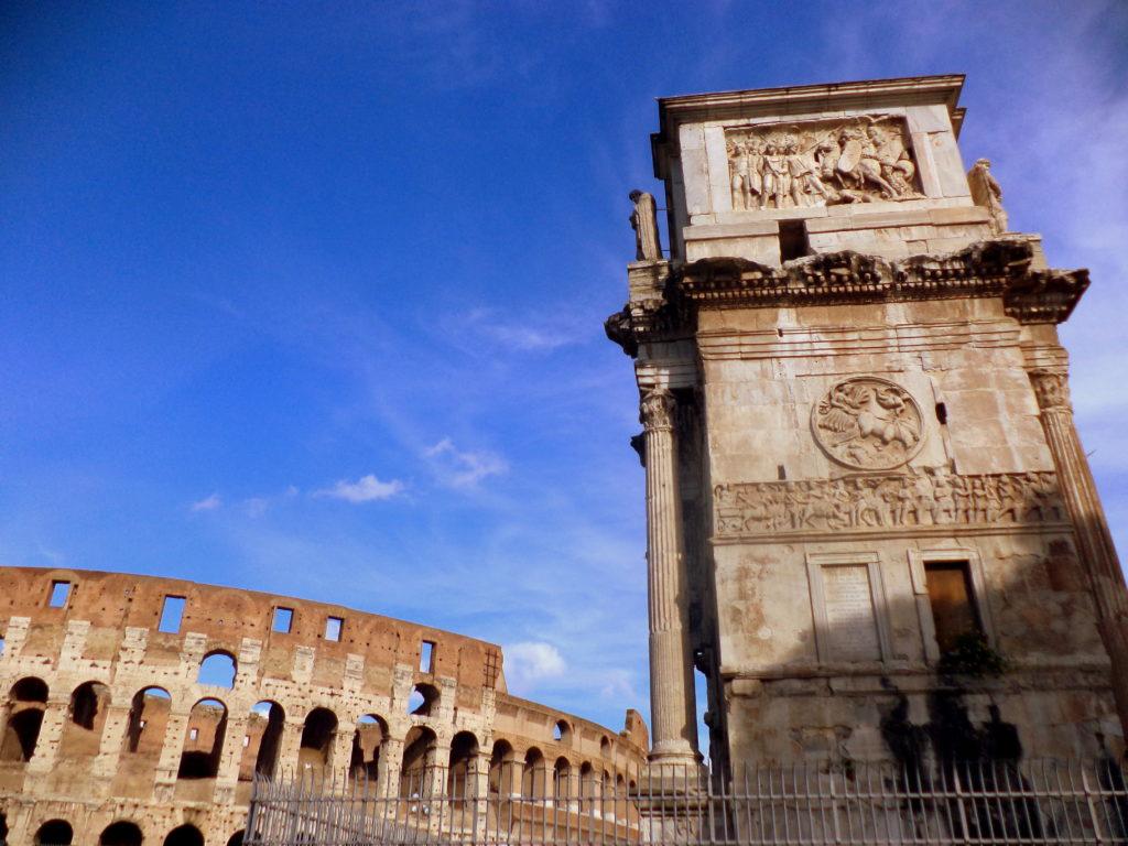 Arco Constantino coliseo sitios que te harán viajar en el tiempo