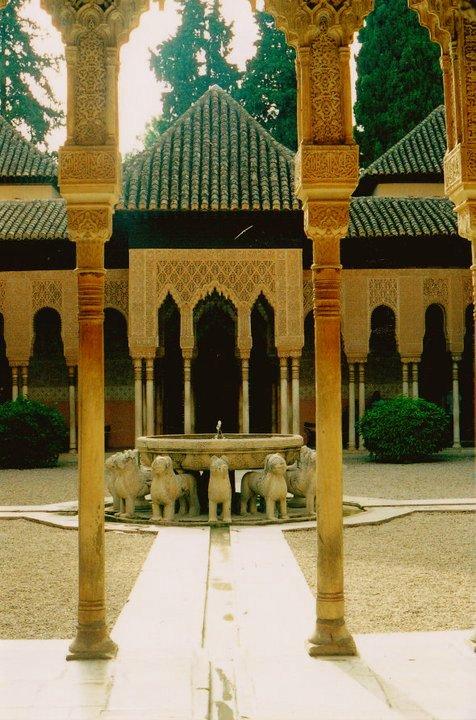 La Alhambra sitios que te harán viajar en el tiempo